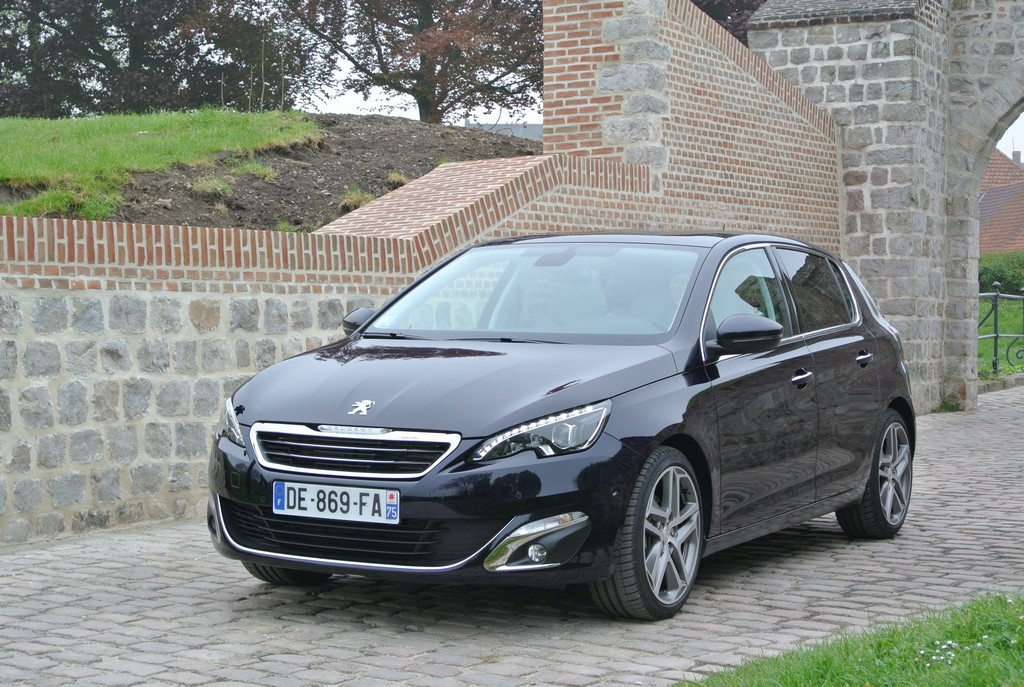 Peugeot 308&308SW Drive in France_2014_Hong Boon How (19)
