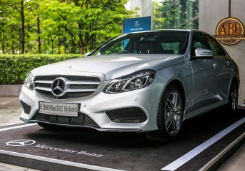 Mercedes-Benz E 300 BlueTEC Hybrid - 01