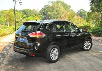 Nissan X-Trail - 19 (2.5L AWD)