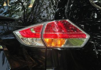 Nissan X-Trail - 21 (2.5L AWD)