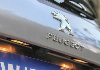 2015 Peugeot 308 (21)