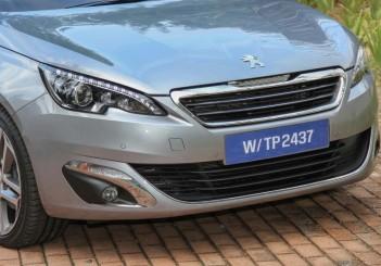 2015 Peugeot 308 (7)