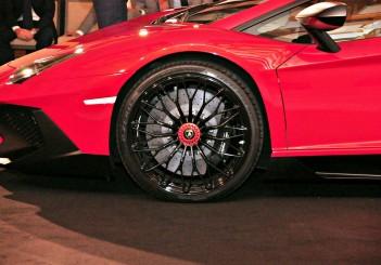 Lamborghini Urus Price Malaysia >> Lamborghini Aventador LP 750-4 Superveloce gets a showing   CarSifu