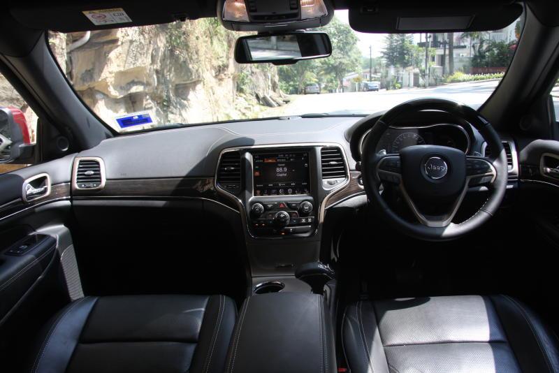 Jeep Grand Cherokee Overland (10)