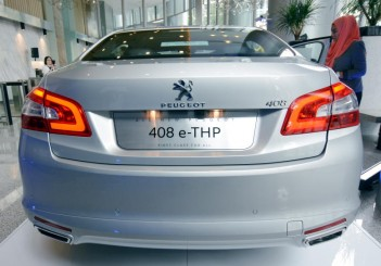Peugeot 408 e-THP (21)