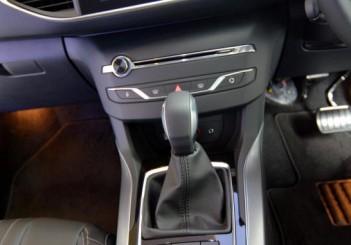 Peugeot 408 e-THP (8)