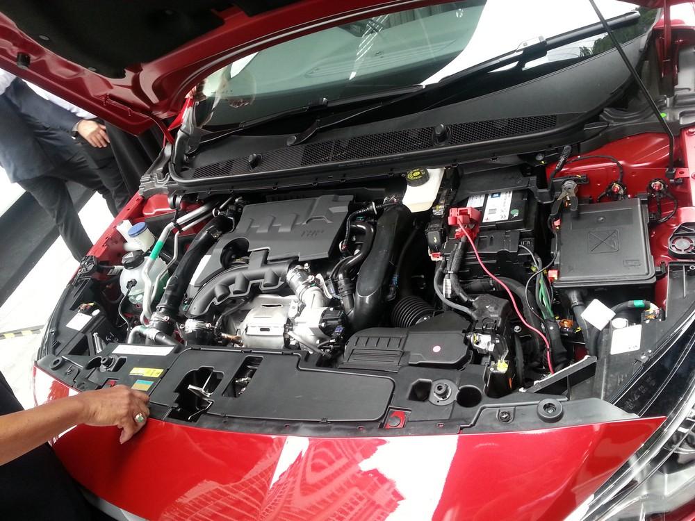 Peugeot 408 ethp (5)