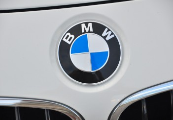 BMW 330e iPerformance - 09