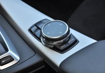 BMW 330e iPerformance - 110