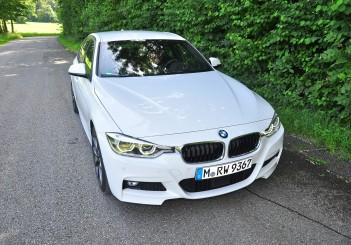 BMW 330e iPerformance - 13