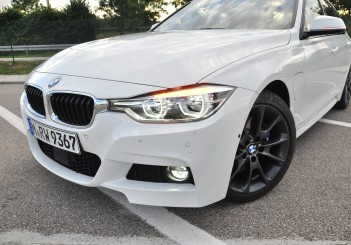 BMW 330e iPerformance - 22
