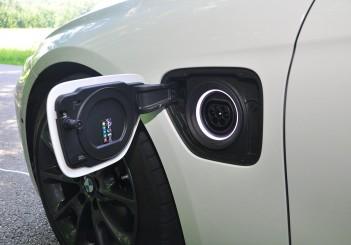 BMW 330e iPerformance - 30