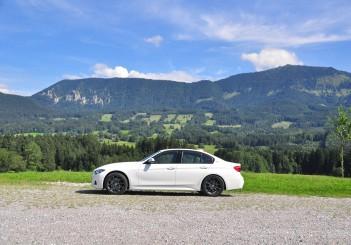 BMW 330e iPerformance - 44