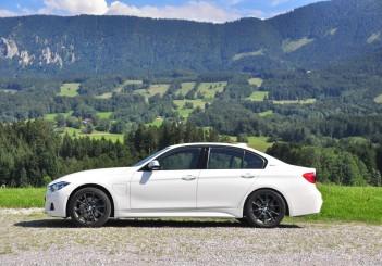 BMW 330e iPerformance - 46