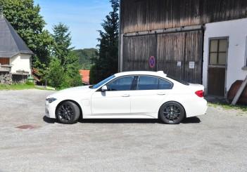 BMW 330e iPerformance - 48