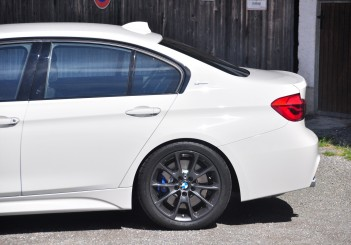 BMW 330e iPerformance - 51