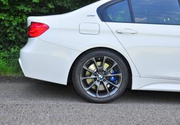 BMW 330e iPerformance - 55