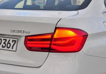 BMW 330e iPerformance - 76