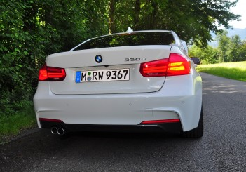 BMW 330e iPerformance - 77