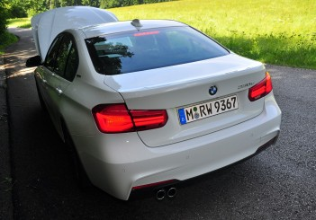 BMW 330e iPerformance - 78