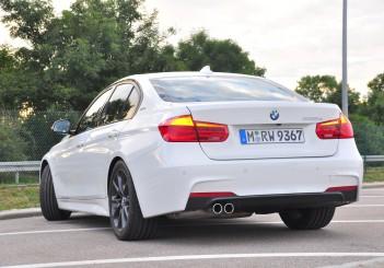 BMW 330e iPerformance - 80