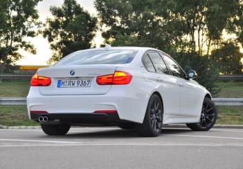 BMW 330e iPerformance - 81