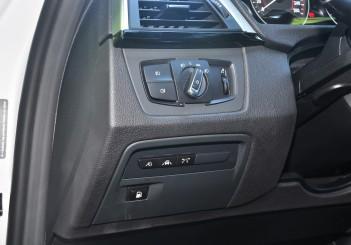 BMW 330e iPerformance - 90