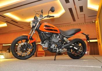Ducati Scrambler Sixty2 (399cc) -01