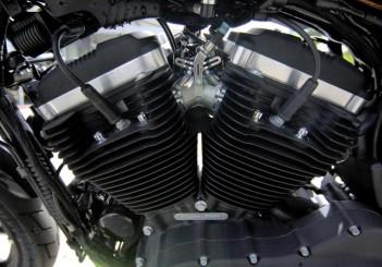 Harley-Davidson Iron 883 - 14