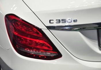 Mercedes Benz C 350e - 24