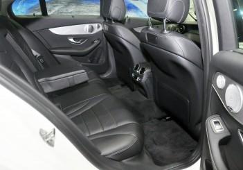 Mercedes Benz C 350e - 58