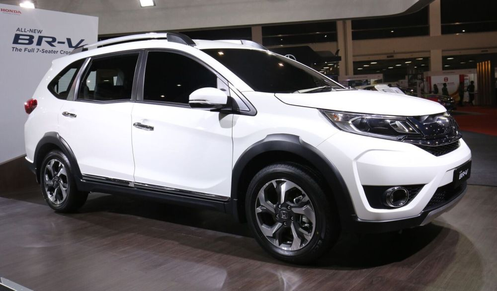 Honda br v previewed in malaysia carsifu for Honda 7 seater suv