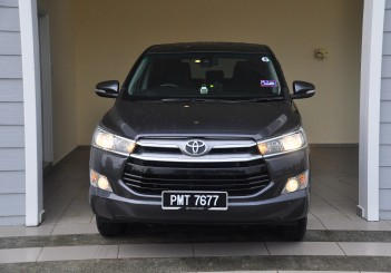 Toyota Innova 2.0G - 11