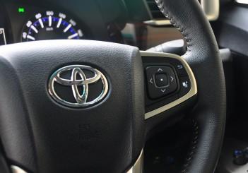 Toyota Innova 2.0G - 25
