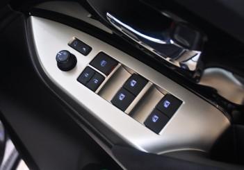 Toyota Innova 2.0G - 26