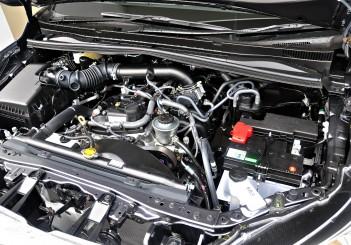 Toyota Innova 2.0G - 37