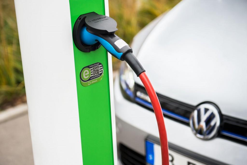 Volkswagen Konzern beteiligt sich an Hubject, der führenden eRoaming-Plattform für europaweites Laden von Elektrofahrzeugen