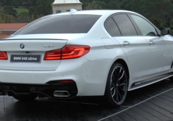 BMW5series_Back_Full_view