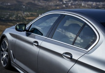 P90237202_highRes_the-new-bmw-5-series