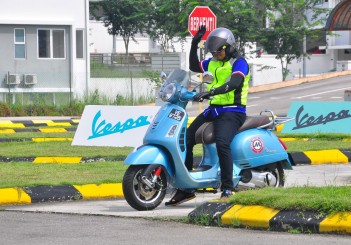 Vespa MoU with Metro Driving Academy - 09