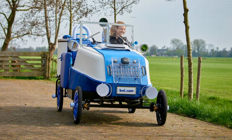 Dutch online store lets you build your own diy electric car carsifu utrecht netherlands based online store bol is offering customers a quirky do it yourself electric car which can be assembled from 223 mainly household solutioingenieria Images