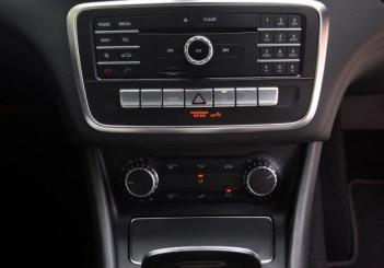 Mercedes-Benz CLA 200 coupe (17)