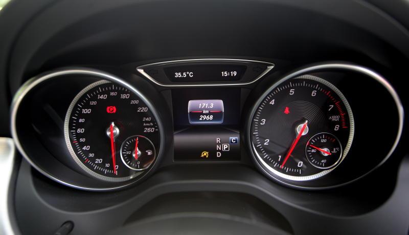 Mercedes-Benz CLA 200 coupe (34)