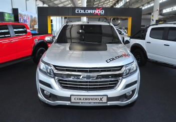 Chevrolet Colorado X - 02