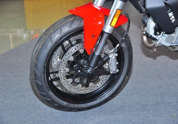 Ducati Monster 797 - 08