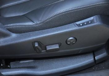 Peugeot 3008 ALLURE THP - 06