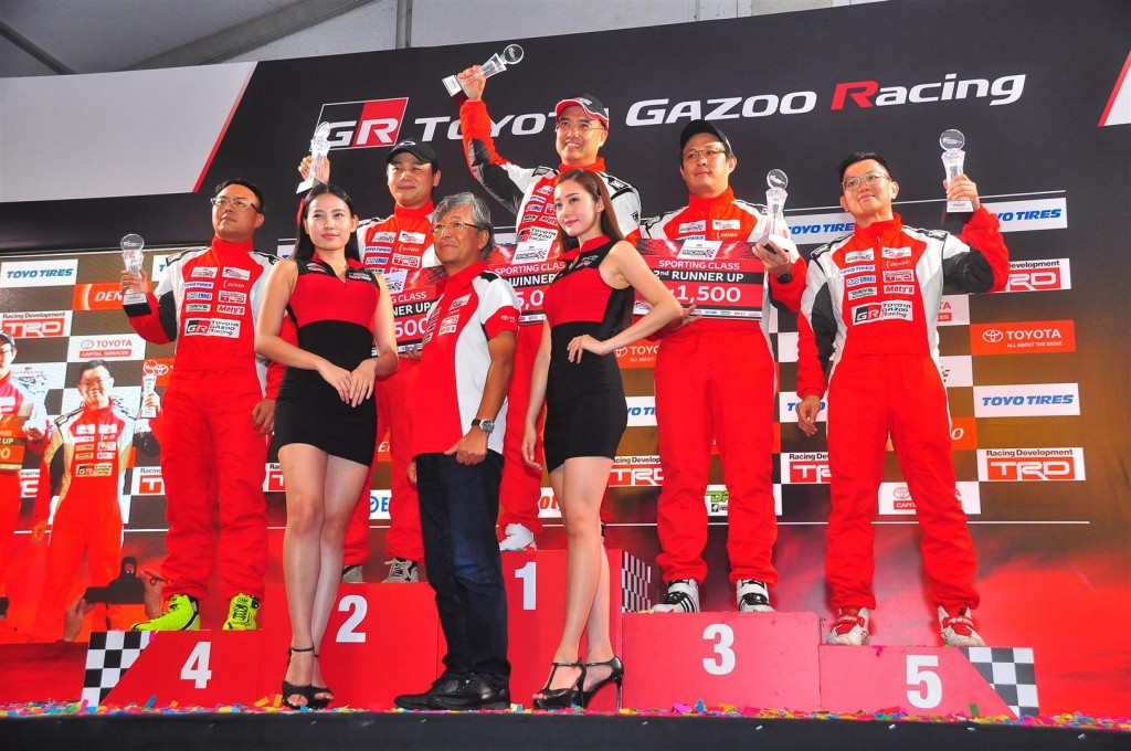 Vios Challenge (day 2) - 35 Sporting podium finishers Jackson Tan Siew Chong, Keneth Koh, Ken Foo, Brandon Lim and Goh Eng Peng with Akio Takeyama
