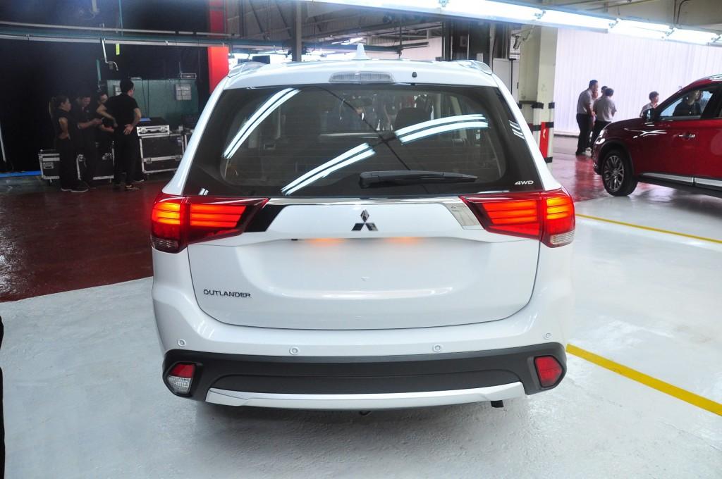 Mitsubishi Outlander 2.0 (CKD) - 06
