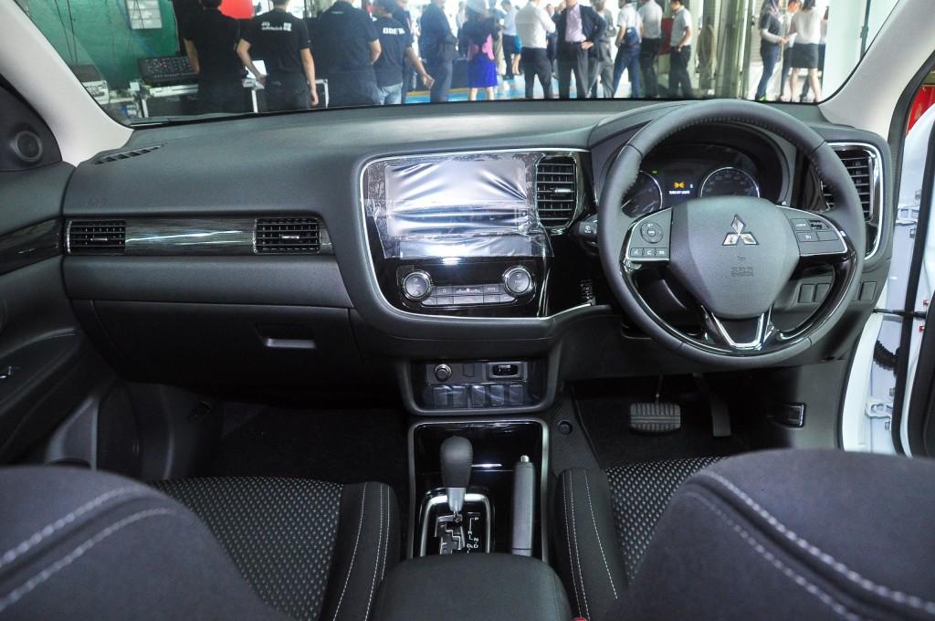 Mitsubishi Outlander 2.0 (CKD) - 33