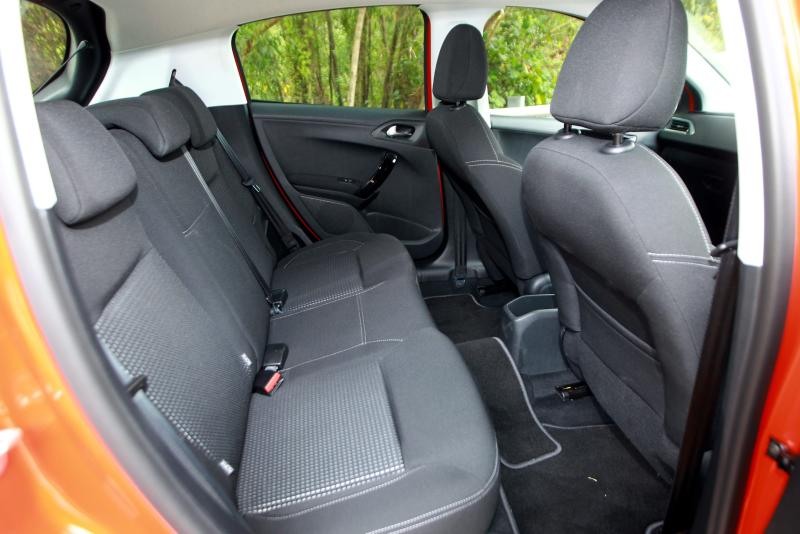 Peugeot 208 Puretech Carsifu (7)